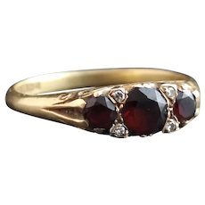 Antique garnet and diamond ring, Victorian 18kt gold, fully hallmarked, boxed