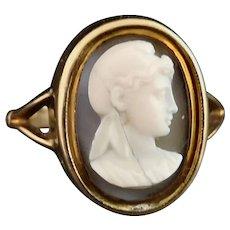 Antique 15ct gold hardstone cameo ring