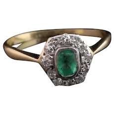 Art Deco emerald and diamond cluster ring, 18k