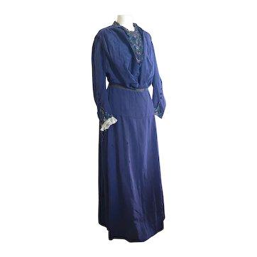 Antique mid Victorian silk day dress