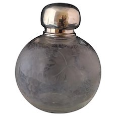 Victorian etched glass scent bottle, silver topped