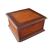Antique jewelry box, Mahogany and Satinwood