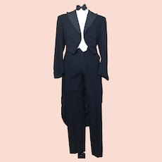 Gents vintage 1950's dinner suit, tailcoat
