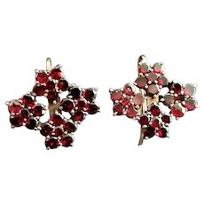 Antique Victorian Garnet flower earrings, 9k gold