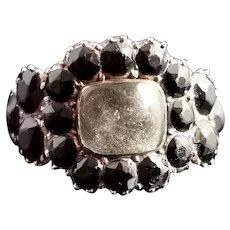 Antique Georgian mourning ring, Jet, 12ct gold, hairwork