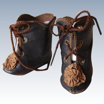 Doll shoes of 19th century