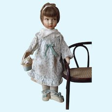 Raynal doll shows  the image of 1930