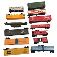 15 Athearn HO and Ahm Train Cars Attachment Parts
