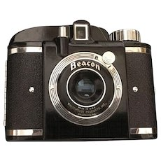 American Made Vintage Whitehouse Productions Beacon Camera in original Leather Case Circa 1948