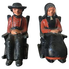 Vintage Sitting Cast Iron traditional Amish Salt Pepper Set Hand Painted and Decorated