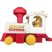 Vintage Avlon-Hasbro Peanuts Snoopy Express Locomotive With Chimney Wind Circa 1972