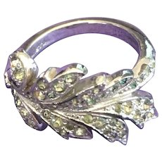 Elegant Sterling 925/1000 Silver Panetta Carved Leaf Ring with Crystals