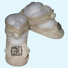 Sweet Vintage Off White Doll Shoes With Shoe Button Ankle Strap
