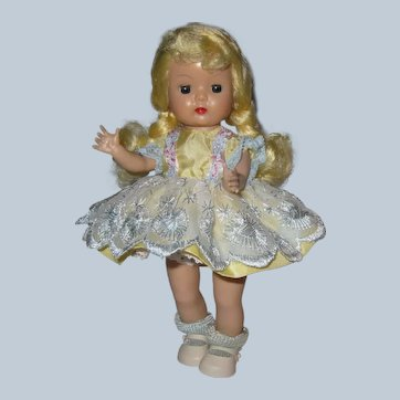 Beautiful 1955-56 SLW Nancy Ann Muffie Doll #659 Pinafore Styles