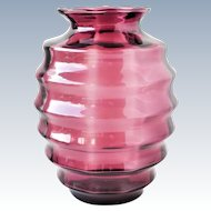 Doyen Belgium - Optic cranberry glass ribbed vase