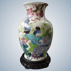 Chinese porcelain Tongzhi Qing Vase with handpainted Floral and birds decor