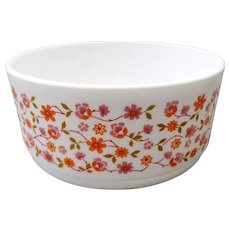 Arcopal France - Opaline milk glass bowl - Floral design Scania