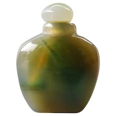 Vintage Chinese small green agate snuff bottle