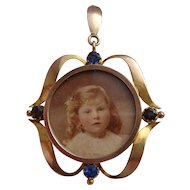 Art Nouveau 9ct Gold & Blue Stone Pendant Locket with Girl Photo c1905