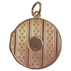 Antique Edwardian 9ct Yellow & Rose Gold Locket Chester Hallmark 4.47gms
