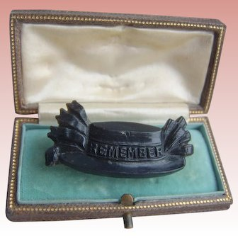 Victorian Pressed Horn Faux Jet 'Remember' Mourning Memento Mori Brooch