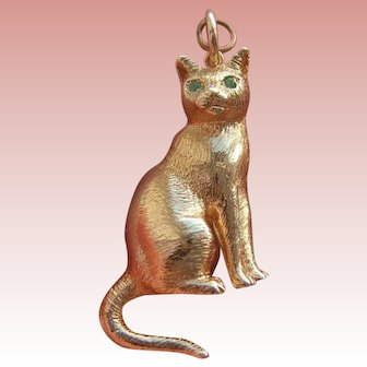 Large Vintage 9ct Gold 375 Figure of a Cat with Emerald Eyes Pendant 11.5g