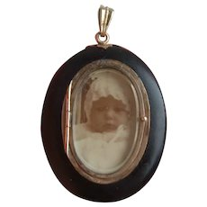 Large Victorian Faux Jet Baby Photo Mourning Locket Pendant with Claw Set Pearl