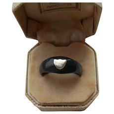 Victorian Jet Black Mourning Ring with Rose Gold Heart from Whitby