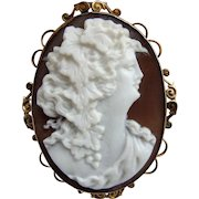 Antique 9ct GOLD Hand Carved Shell CAMEO Brooch portraying a Baccante Maiden