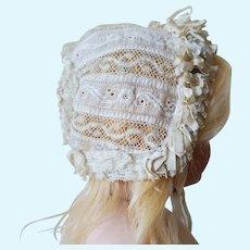 Beautiful antique french Bébé bonnet