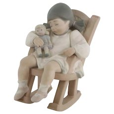 LLADRO Naptime by Jose Puche #01015448.