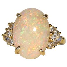 Opal, Diamond & 18k Yellow Gold Ring