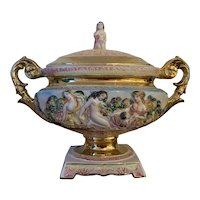 Large Hand Painted Capodimonte Centrepiece 1505