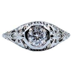 18kt Antique Diamond Engagement Ring