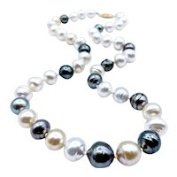 Beautiful Multicolored Cultured Pearl Necklace