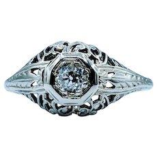 Antique 18kt Mine Cut Diamond Ring
