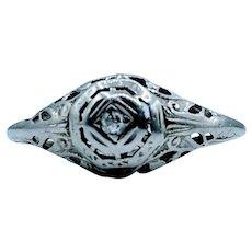 18kt Filigree Diamond Ring