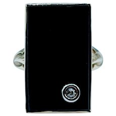 Elegant Onyx & Diamond Ring