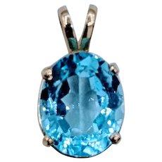 Gorgeous Blue Topaz Gold Pendant