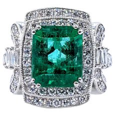 Glamorous Emerald & Diamond Cocktail Ring