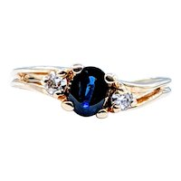 Stylish Sapphire & Diamond Contour Ring
