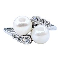 Sophisticated Cultured Pearl & Diamond Crossover Ring