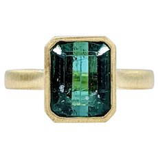 Beautiful Brushed 18K Gold & Tourmaline Ring