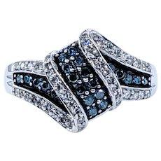Attractive Blue & White Diamond Dress Ring