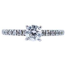 Gorgeous & Classic Diamond Engagement Ring