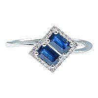 Modern Sapphire & Diamond Fashion Ring