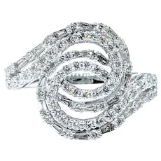 "Sparkling Diamond & White Gold ""Whirlpool"" Ring"