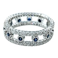 Elegant Diamond & Blue Sapphire Ring - 18K White Gold