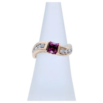 Vintage Yellow Gold Wave Tourmaline & Diamond Accent Ring