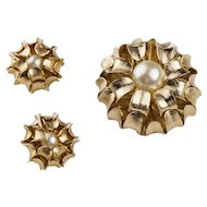 Mid Century Napier Brooch & Earrings Set